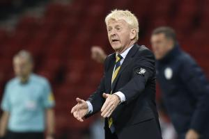 Gordon Strachan has issued a rallying call ahead of Scotland's June meeting with England
