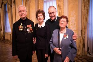 Brian Cox meets veterans of the siege of Leningrad