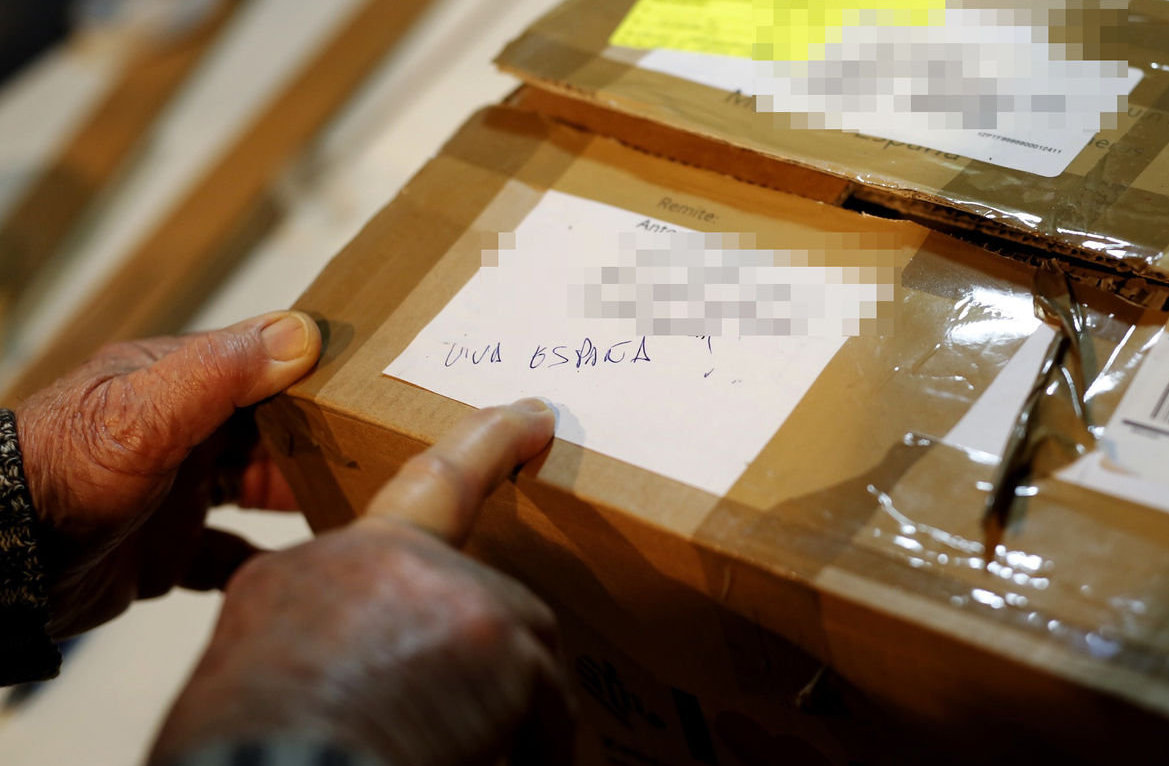 'Viva España' was scrawled on the returned package. Photographs: Francesc Melcion