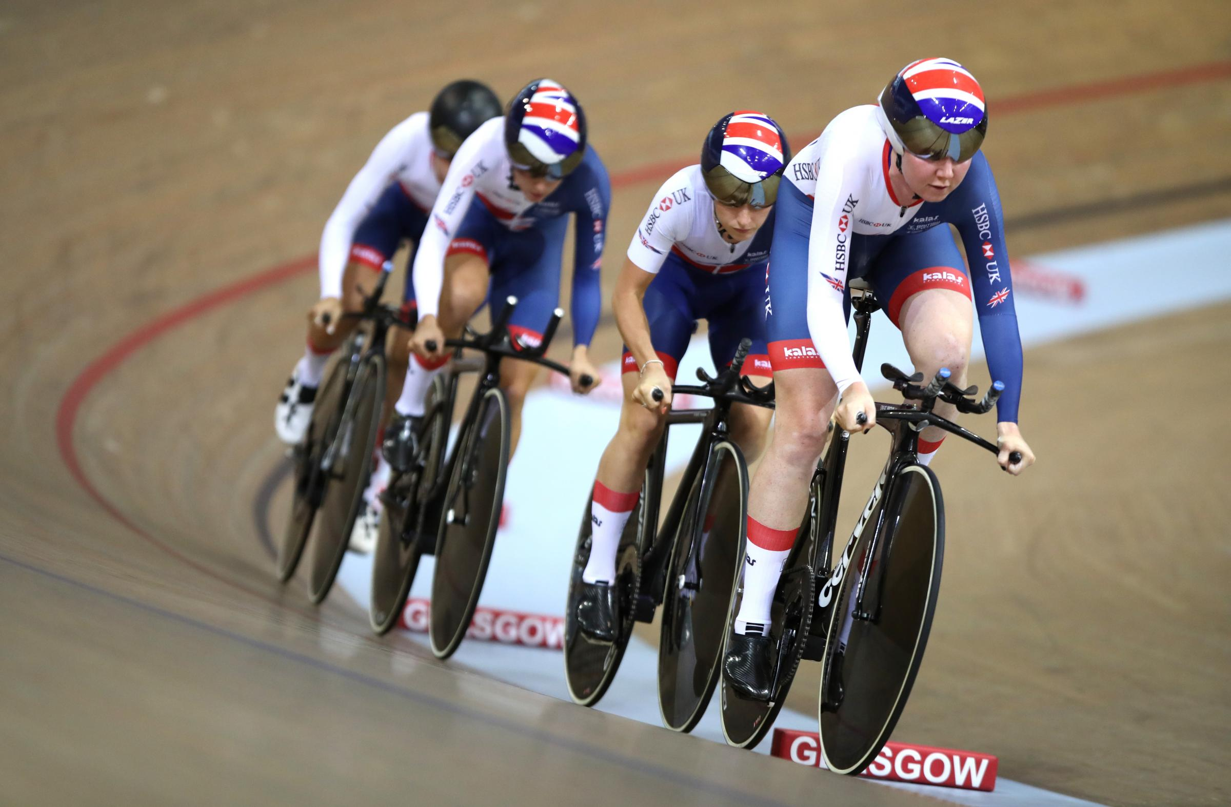 Katie Archibald (r) and her GB teammates eased through the team pursuit qualifying last night (Photo by Ian MacNicol/Getty Images).